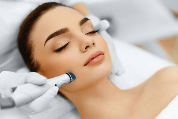 microdermabrasion-treatment-for-acne-scars